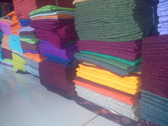 kain embos batik argreen