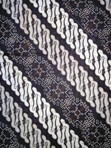 Kain Batik Hitam Putih Argreen 04
