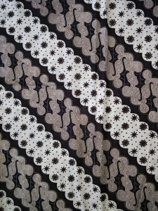Kain Batik Hitam Putih Argreen 15