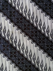 Kain Batik Hitam Putih Argreen 32